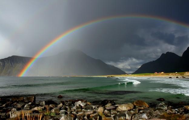 Lofoten Strand Regenbogen